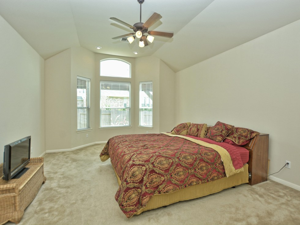 013_Master Bedroom