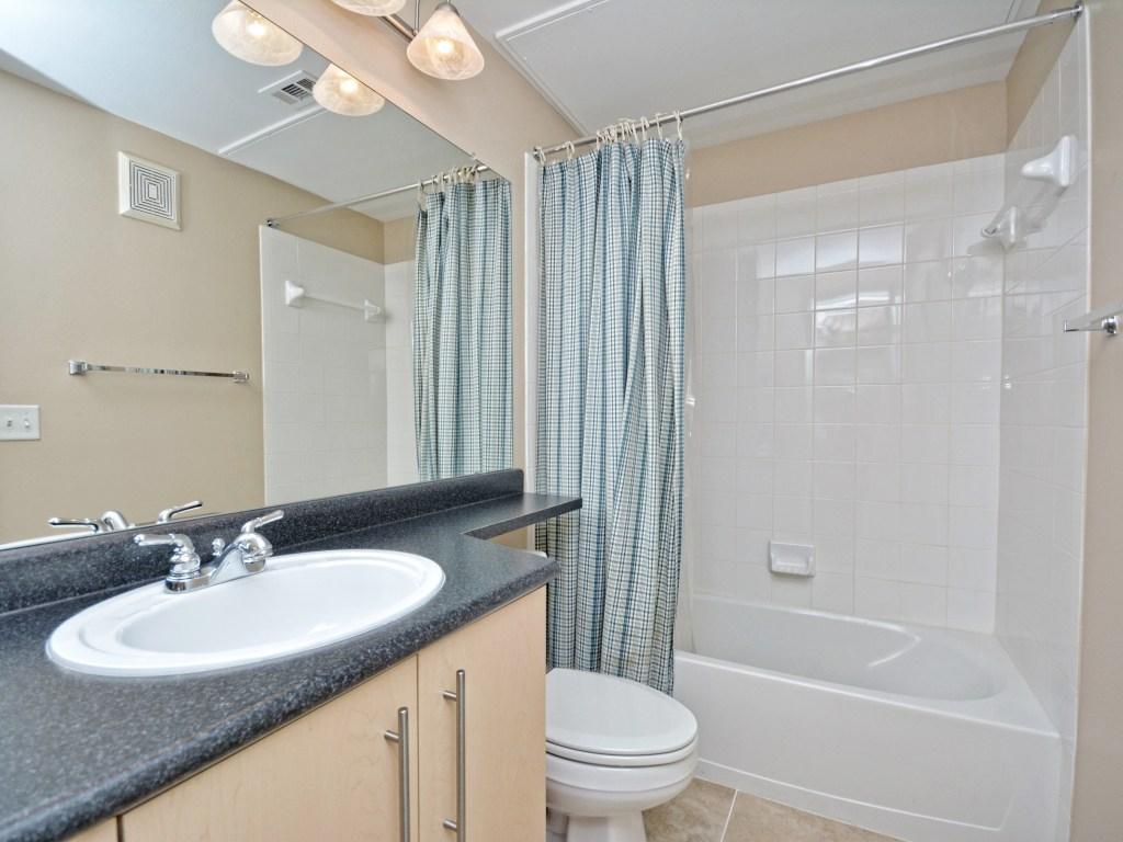 014_2nd Bathroom