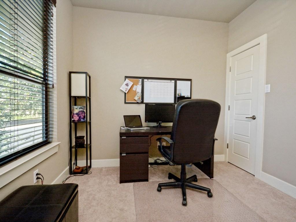009_Office