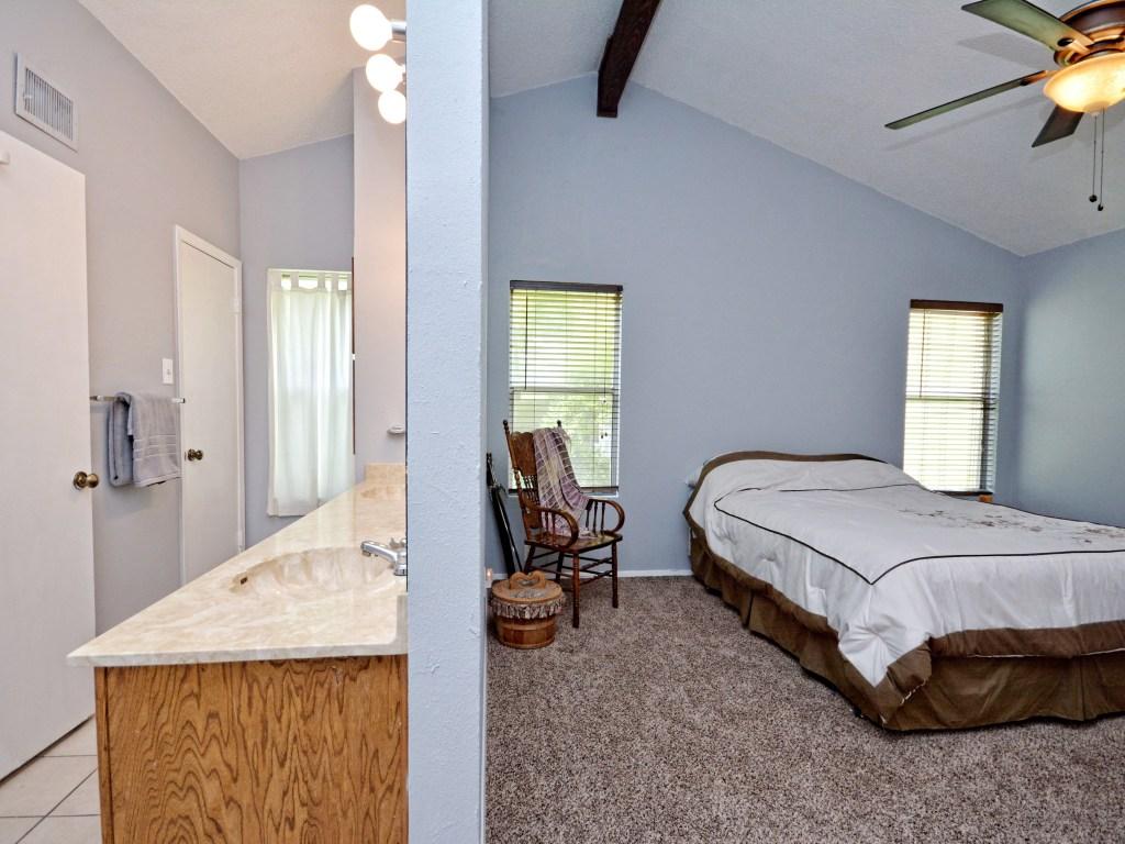 012_Master Bedroom2