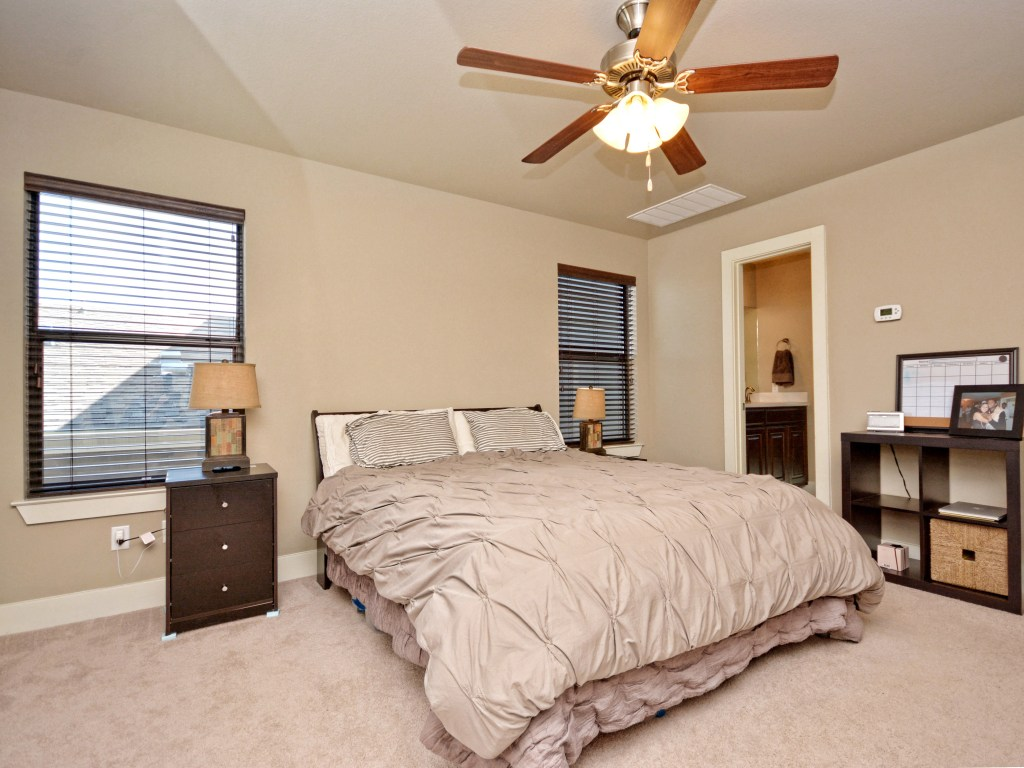 015_Master Bedroom2