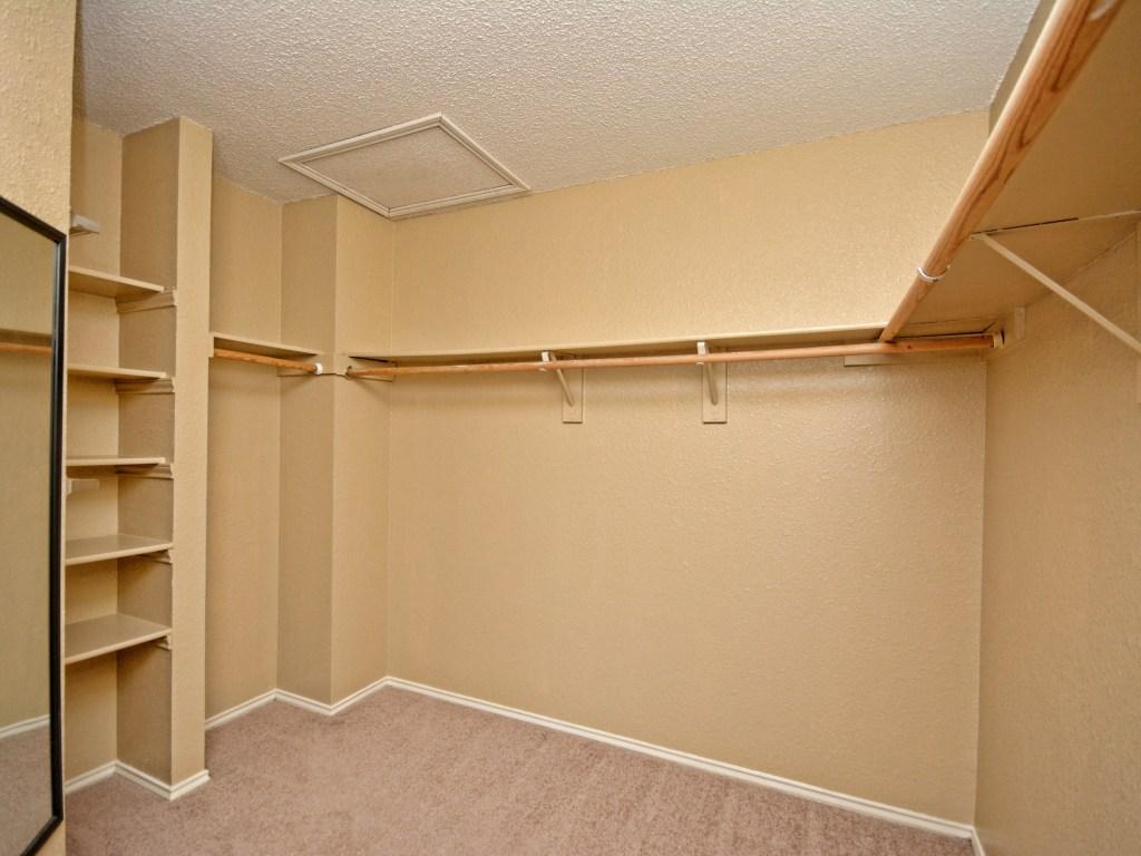 011_Master Closet