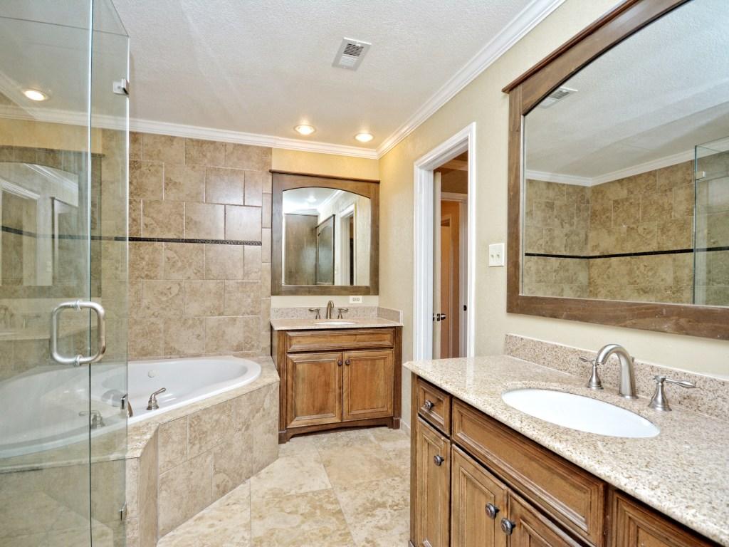 012_Master Bathroom