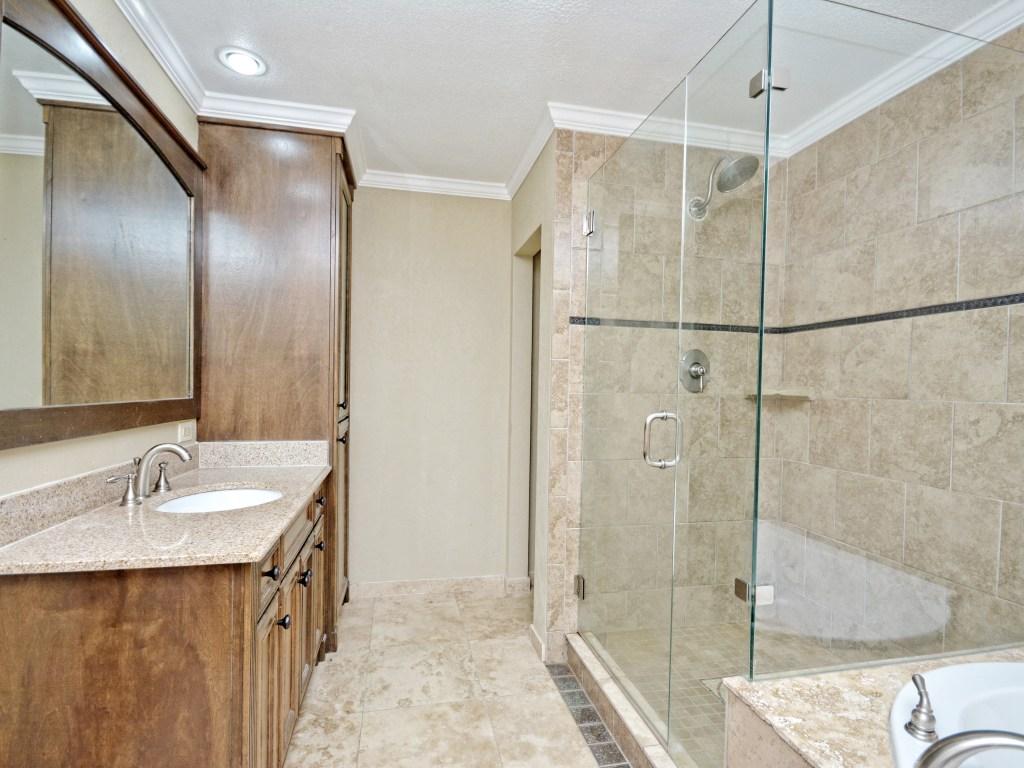013_Master Bathroom2