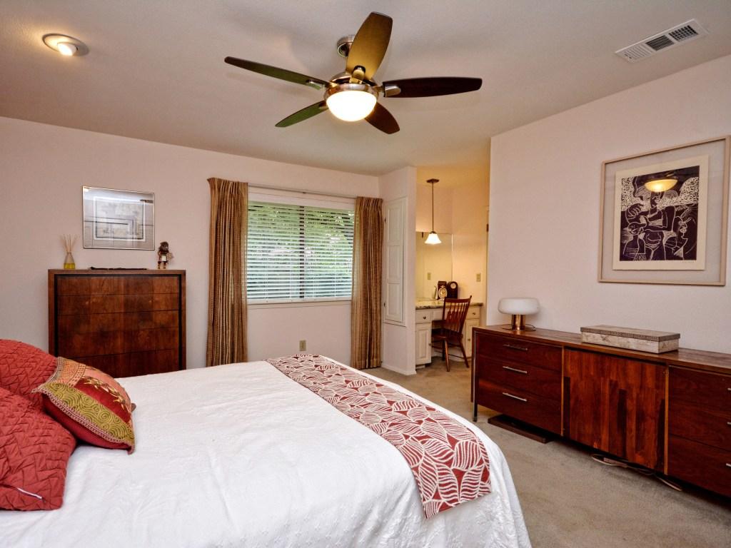 020_Master Bedroom2