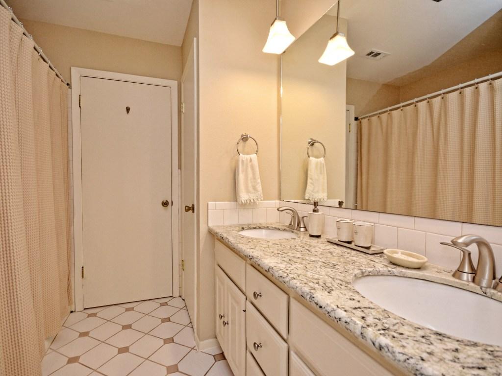 022_Master Bathroom
