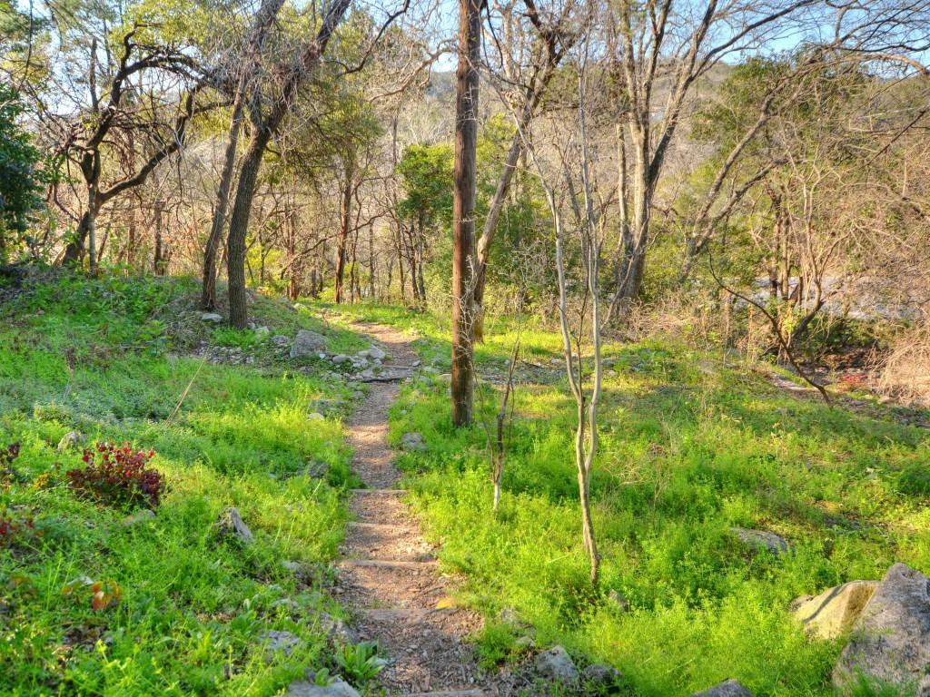 024_Walking Trail