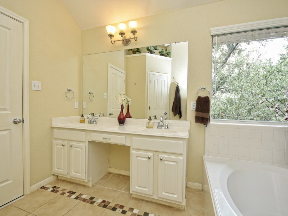 017_Master Bathroom2